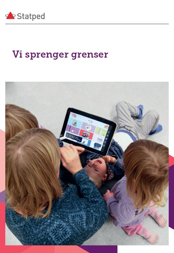 Fire barn ser på en iPad